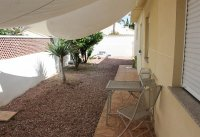 4 bed 2 bath detached villa with private pool, complete with separate 2 bed apartment. (42)