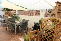 4 bed 2 bath detached villa with private pool, complete with separate 2 bed apartment. (36)