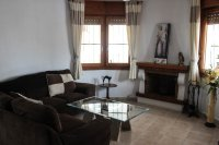Traditional 3 bed, 2 bath detached villa with garage, private pool, and large private gardens (3)