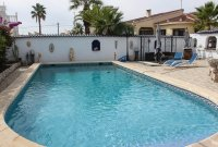 Traditional 3 bed, 2 bath detached villa with garage, private pool, and large private gardens (18)
