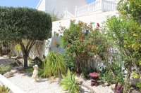 Traditional 3 bed, 2 bath detached villa with garage, private pool, and large private gardens (25)
