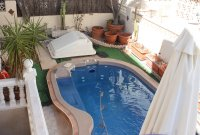 Detached 3 bed, 2 bath property, with private pool and bar/entertainment area (17)