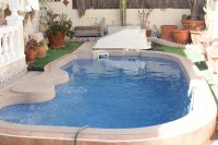 Detached 3 bed, 2 bath property, with private pool and bar/entertainment area (4)