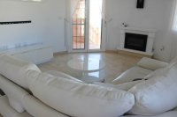 Well presented villa, 3 bedrooms, 2 bathroom, private pool and off road parking (4)
