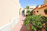 Well presented villa, 3 bedrooms, 2 bathroom, private pool and off road parking (24)