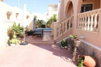 Well presented villa, 3 bedrooms, 2 bathroom, private pool and off road parking (26)