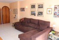 Well presented 2 bed, 1 bath apartment on gated community within 300 meters of the beach (5)