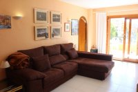Well presented 2 bed, 1 bath apartment on gated community within 300 meters of the beach (7)