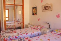Well presented 2 bed, 1 bath apartment on gated community within 300 meters of the beach (12)