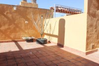 Well presented 2 bed, 1 bath apartment on gated community within 300 meters of the beach (15)