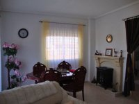 Well presented semi-detached 2 bed townhouse with potential for 2 further bedrooms (8)