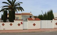 Striking Detached Villa in Desirable Location (0)