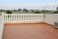 Lovely 2 bed bungalow in typical Spanish village with communal pool (17)