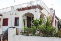 Lovely 2 bed bungalow in typical Spanish village with communal pool