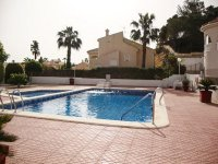 Superbly maintained south facing detached villa  (11)