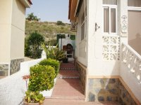 Superbly maintained south facing detached villa  (12)