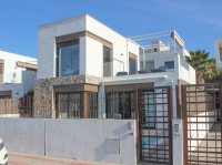 Lovely 3 bed, 2 bath detached villa with private pool and views of La Finca golf (23)