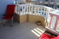 Lovely west facing townhouse, overlooking pool with private parking (13)