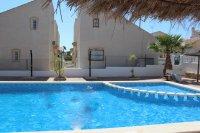 Delightful 2 bed, 2 bath, detached villa with communal pool (14)