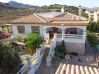 Lovely Detached Country Property with Stunning Mountain Views