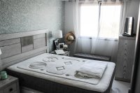 Bright, spacious 3, bedroom apartment on gated community with large pool (7)