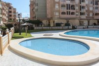 Bright, spacious 3, bedroom apartment on gated community with large pool (17)