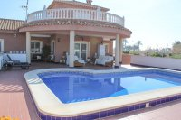 Stunning South Facing Country Property with Wow Factor (0)