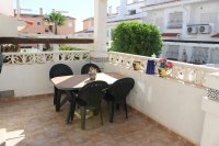 Lovely 3 bedroom townhouse overlooking pool on gated community (4)