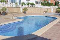 Lovely 3 bedroom townhouse overlooking pool on gated community (19)