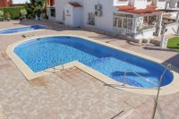 Lovely 3 bedroom townhouse overlooking pool on gated community (1)