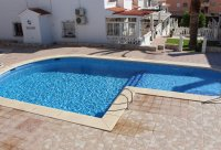 Lovely 3 bedroom townhouse overlooking pool on gated community (21)