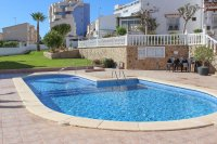 Lovely 3 bedroom townhouse overlooking pool on gated community (20)