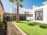 Stunning 3 bed 2bath detached villa with private pool and views of La Finca golf (14)