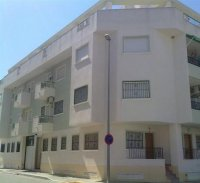 Penthouse apartments in a 4 storey development with communal pool. (0)