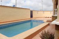 Detached 4 bed 3 bath villa with both private & communal pool and off road parking (25)
