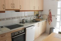 Spacious 3 bed 2 bath semi detached with large private garden and community pool (6)
