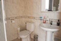 Spacious 3 bed 2 bath semi detached with large private garden and community pool (8)