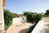 Spacious 3 bed 2 bath semi detached with large private garden and community pool (21)