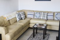 LONG TERM RENTAL (Avail until 30/04/18) - Ground floor apartment in good residential location (2)