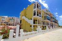Spacious south facing 1 bedroom seaside apartment walkable to the beach (0)