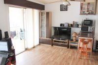 Spacious south facing 1 bedroom seaside apartment walkable to the beach (5)