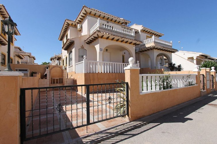 Townhouse in Cabo Roig, Spain