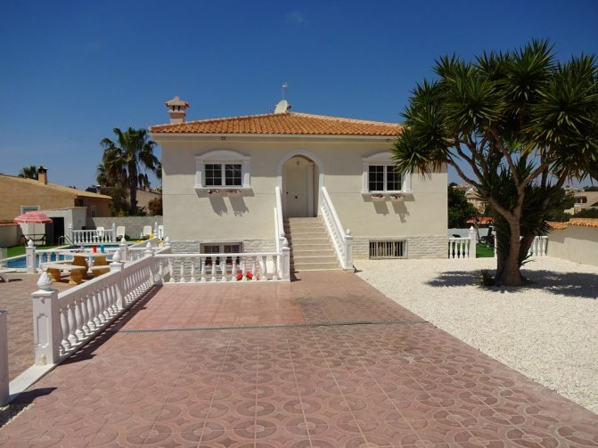 Villa in  Spain (3) - 2032