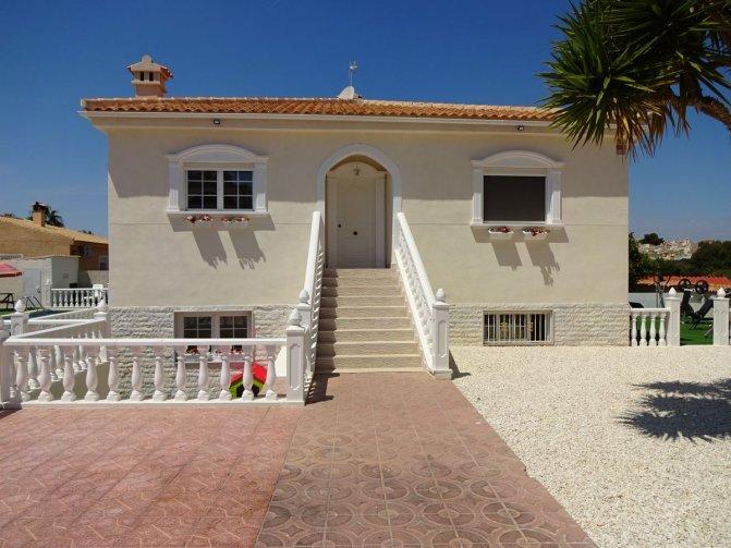 Villa in  Spain (2) - 2032