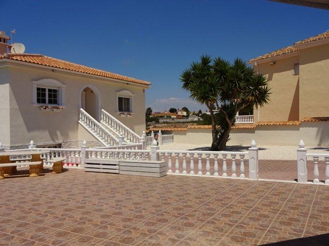 Villa in  Spain (60) - 2032