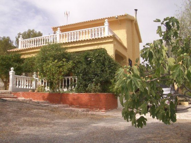 Villa in Hondon de las Nieves, Spain