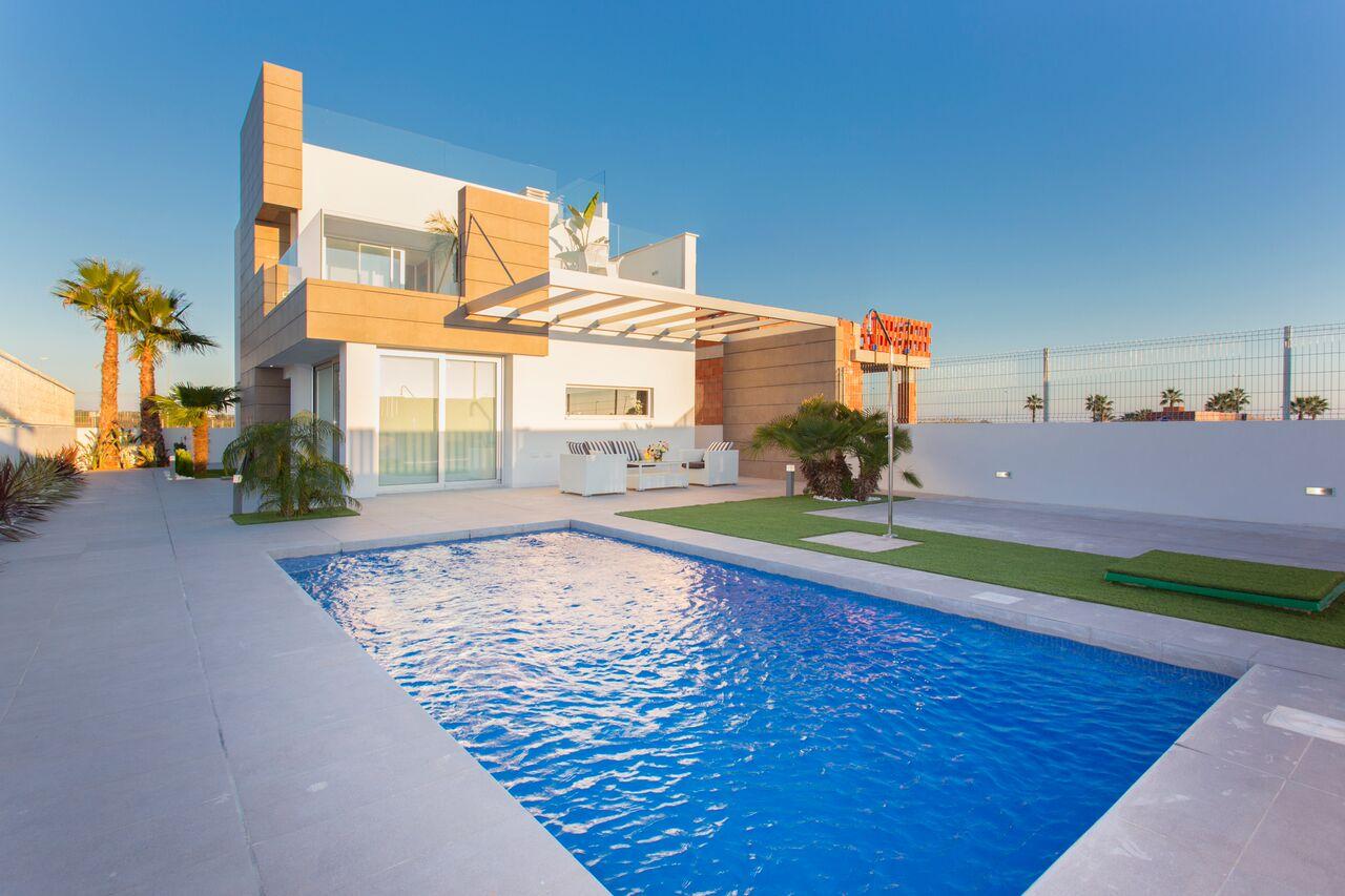 Ref:220210 Villa For Sale in Guardamar del Segura