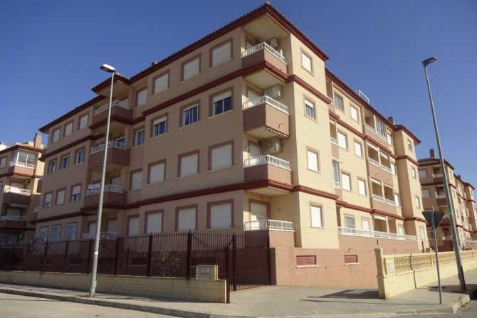 BARGAIN APARTMENT IN ALGORFA FOR SALE