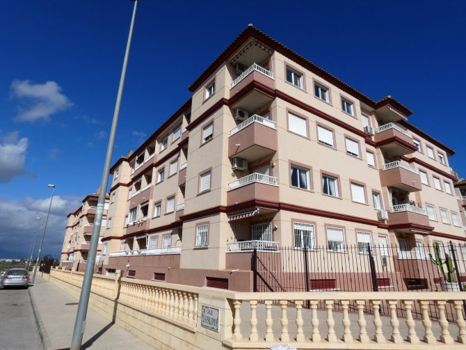 RESALE APARTMENT FOR SALE in ALGORFA
