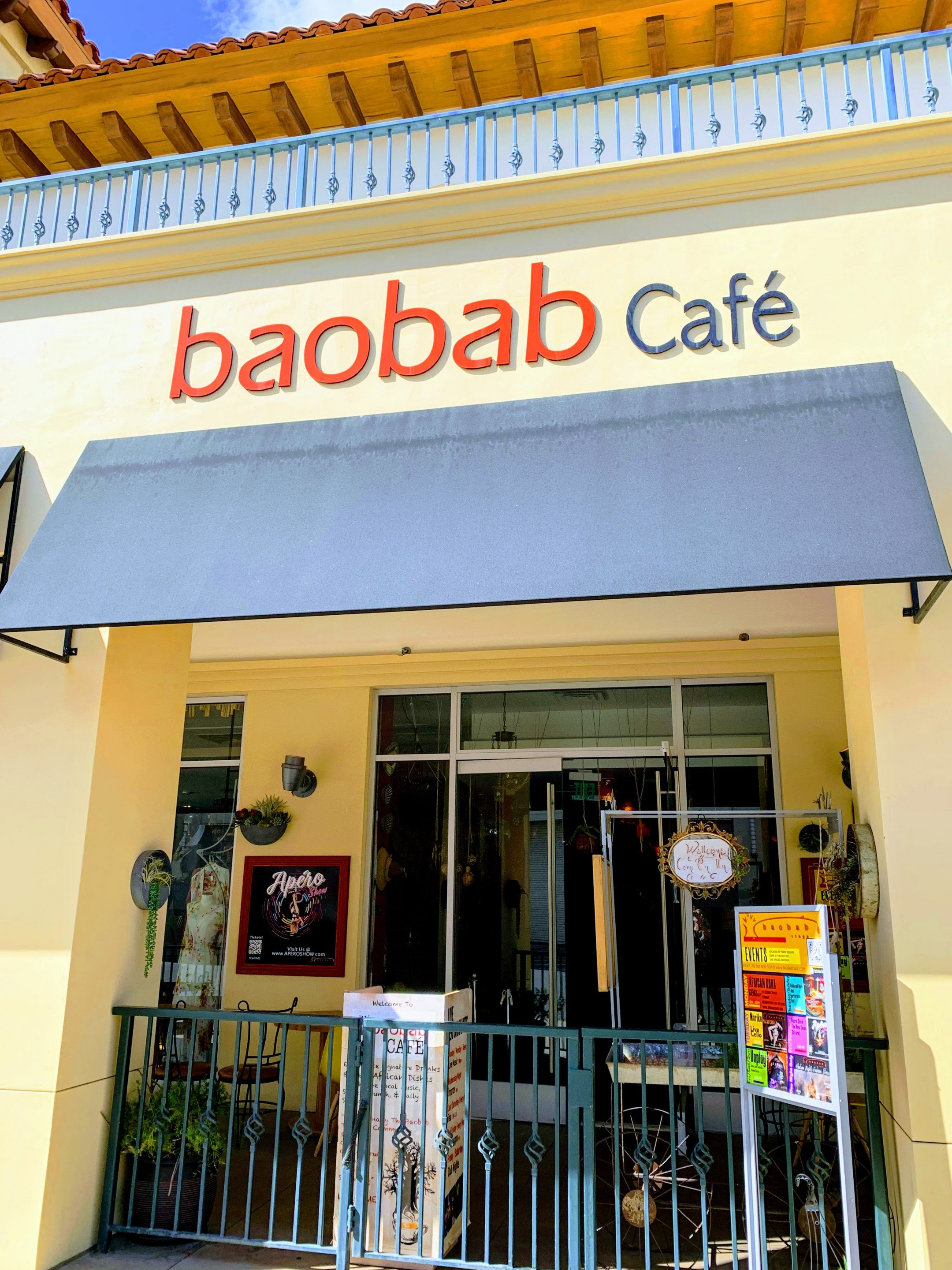 Baobab |Boutique | Theater | Cafe